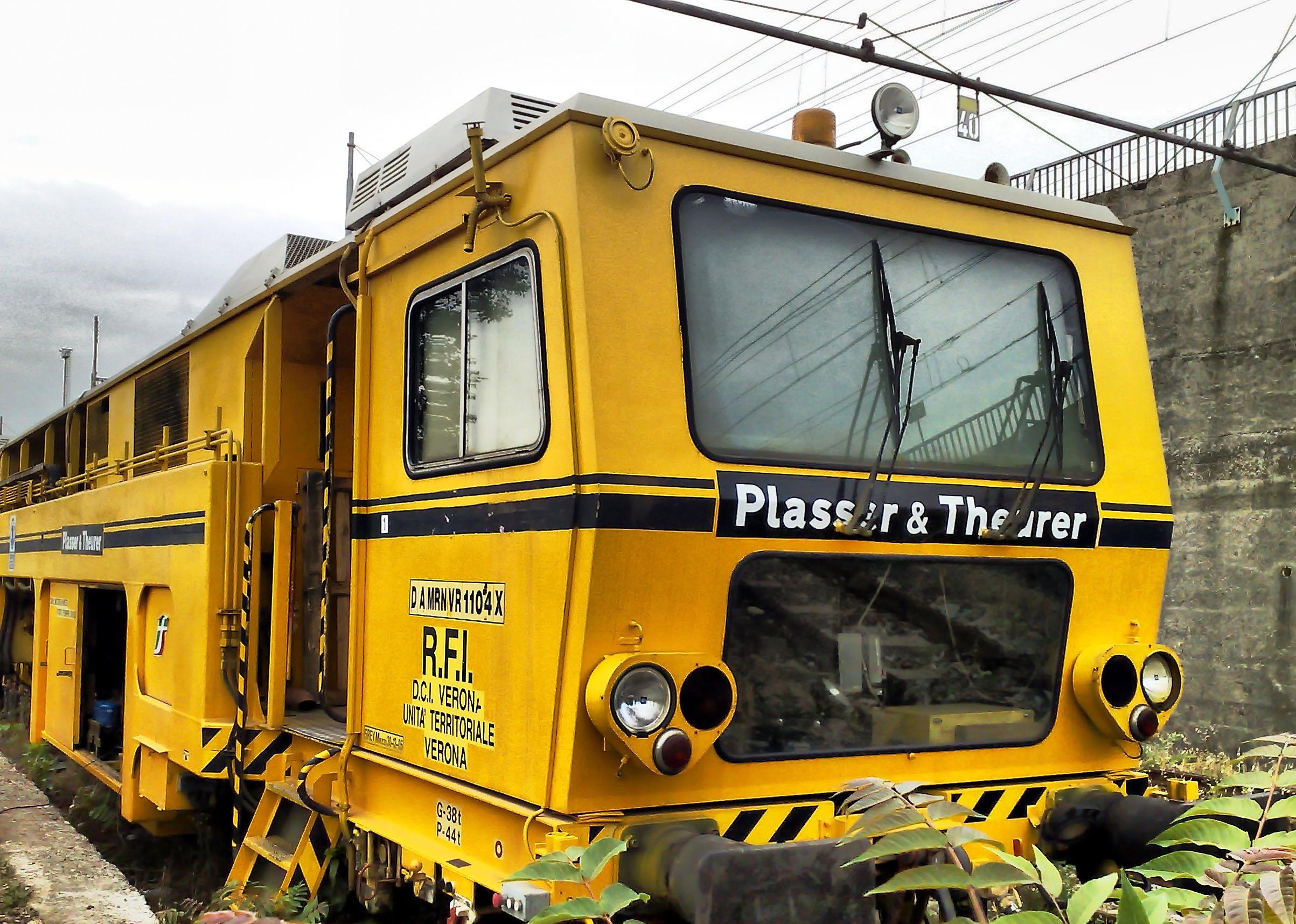 Plasser & Theurer railbuilding vehicle
